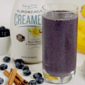 cinnamon and blueberry smoothie